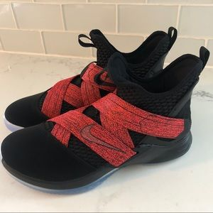 half off c10d7 27794 Nike LeBron Soldier XII 12 Bred Black Red NWT